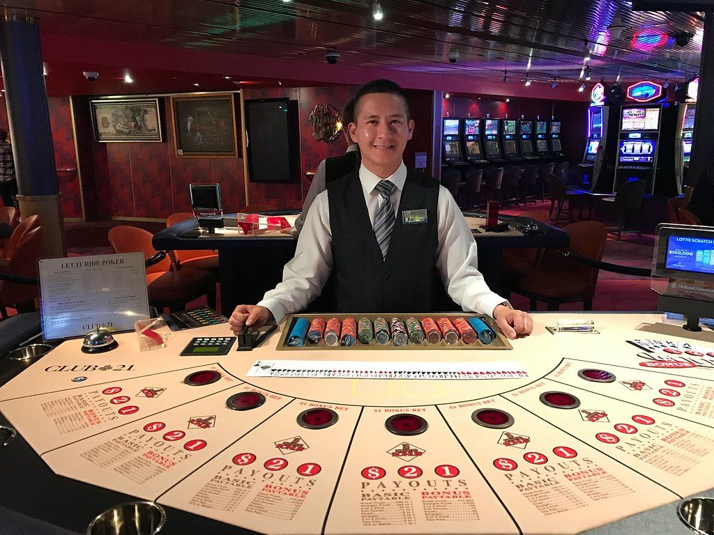 轮盘赌桌现场真人商